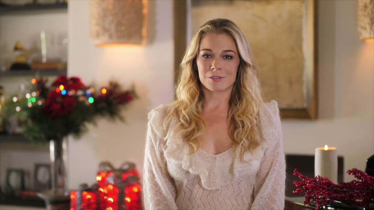 Interview: LeAnn Rimes discusses her Hallmark Channel debut, details holiday tour and teases new music