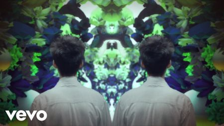ad74ad3d4960f8 Jacob Collier releases new video