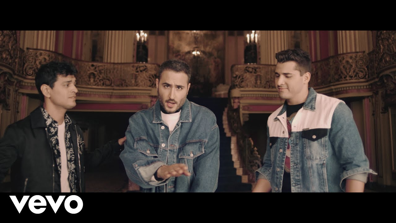 Reik soundtracks love story in 'Ráptame' music video