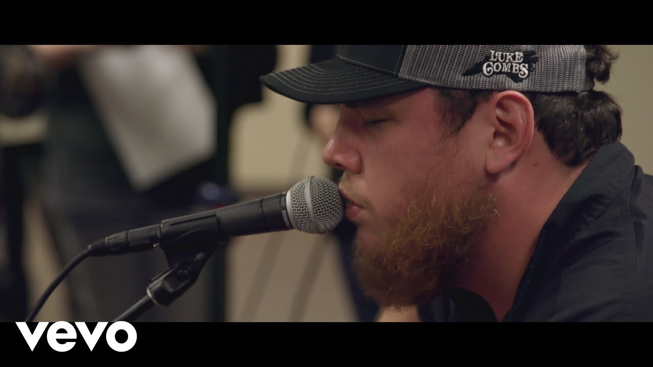 Luke Combs reveals 2019 Beer Never Broke My Heart tour, including stop at Red Rocks