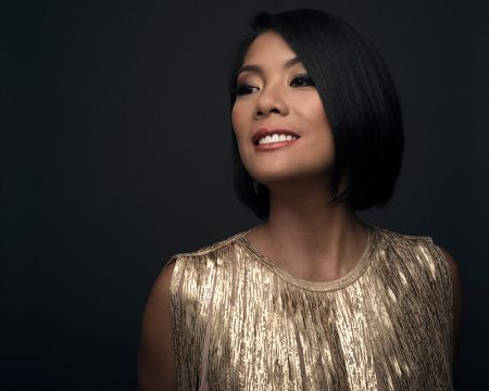 Interview: Singer-songwriter Elizabeth Chan discusses her beautiful holiday album, 'Best Gift Ever'