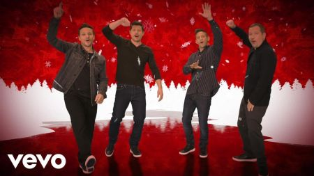 Interview: 98 Degrees' Nick Lachey discusses group's holiday tour, Christmas memories and career highlights