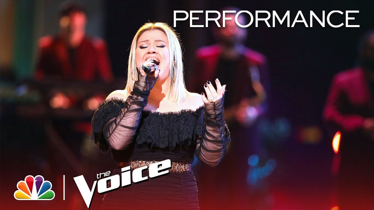 Watch: Kelly Clarkson performs new single 'Heat' on 'The Voice'
