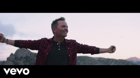 Chris Tomlin announces Worship at Red Rocks July 2019
