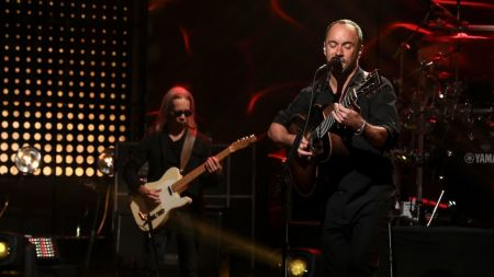 Watch: Dave Matthews Band performs 'Do You Remember' on 'Ellen'