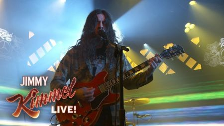 Watch: Kurt Vile performs 'Loading Zones' on 'Jimmy Kimmel Live'