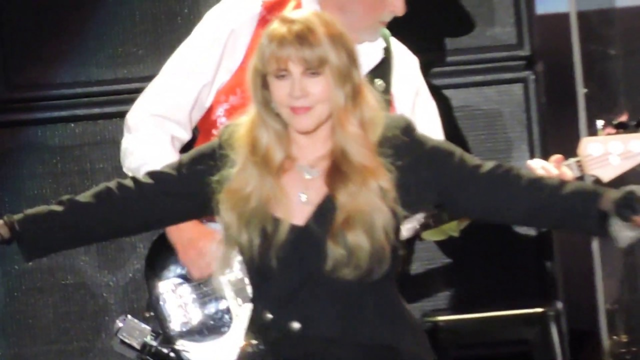 Watch: Stevie Nicks and fans react to Rock Hall induction at Fleetwood Mac gig in Los Angeles