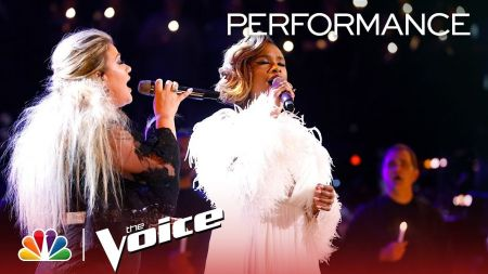 Watch: Kelly Clarkson & Jennifer Hudson join forces for 'O Holy Night' cover on 'The Voice'