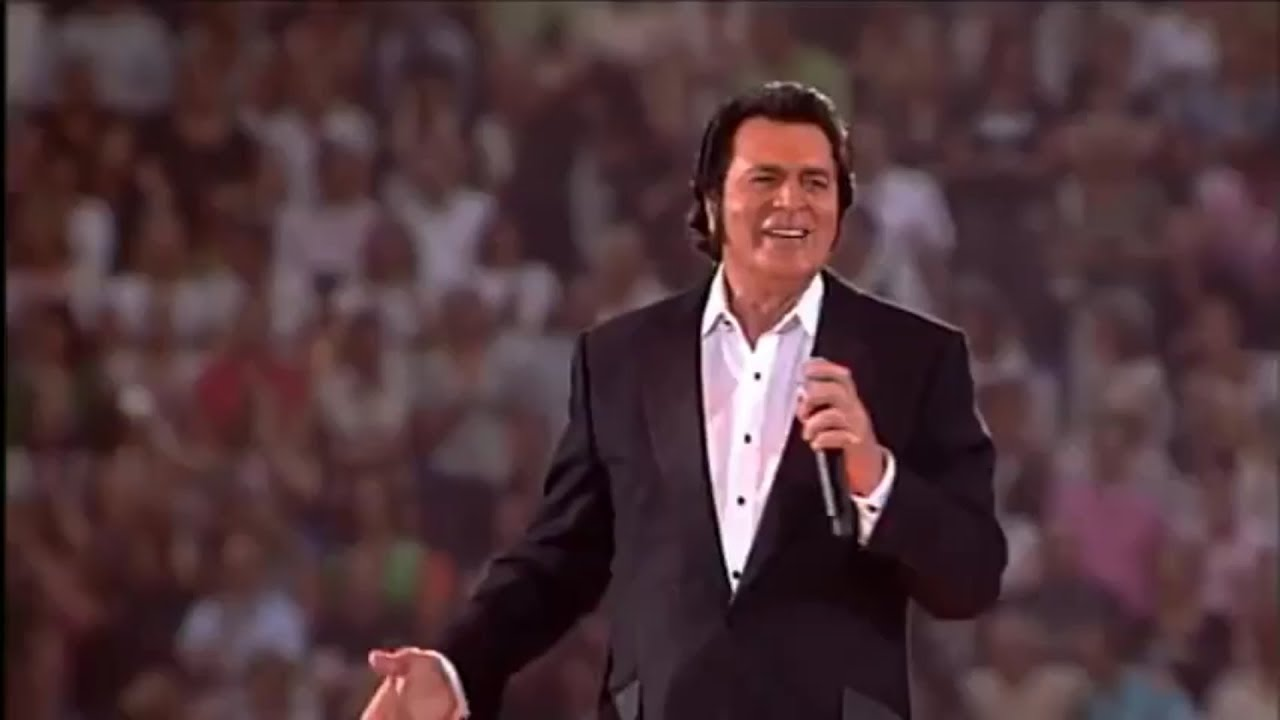 Engelbert Humperdinck announces Valentine's Day 2019 performance at City National Grove