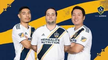 LA Galaxy signs three new players ahead of 2019 eMLS season
