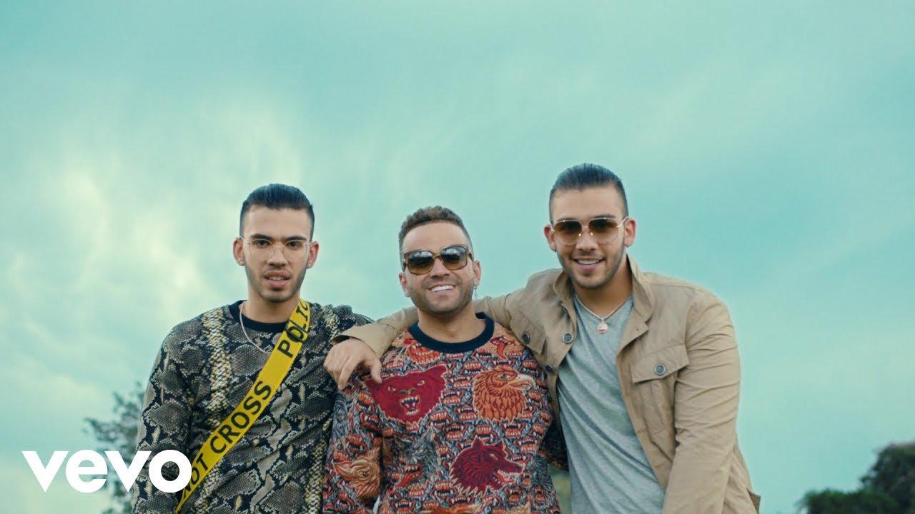 Nacho & Manuel Turizo are convincing duo in 'Déjalo' music video