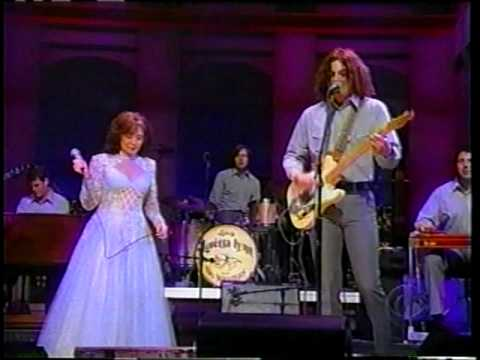 Watch: Loretta Lynn and Jack White perform 'Portland, Oregon' on 'Letterman'