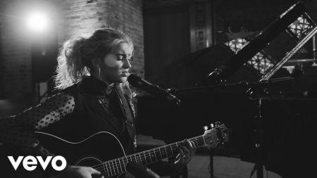 Tori Kelly announces dates for 2019 The Acoustic Sessions tour
