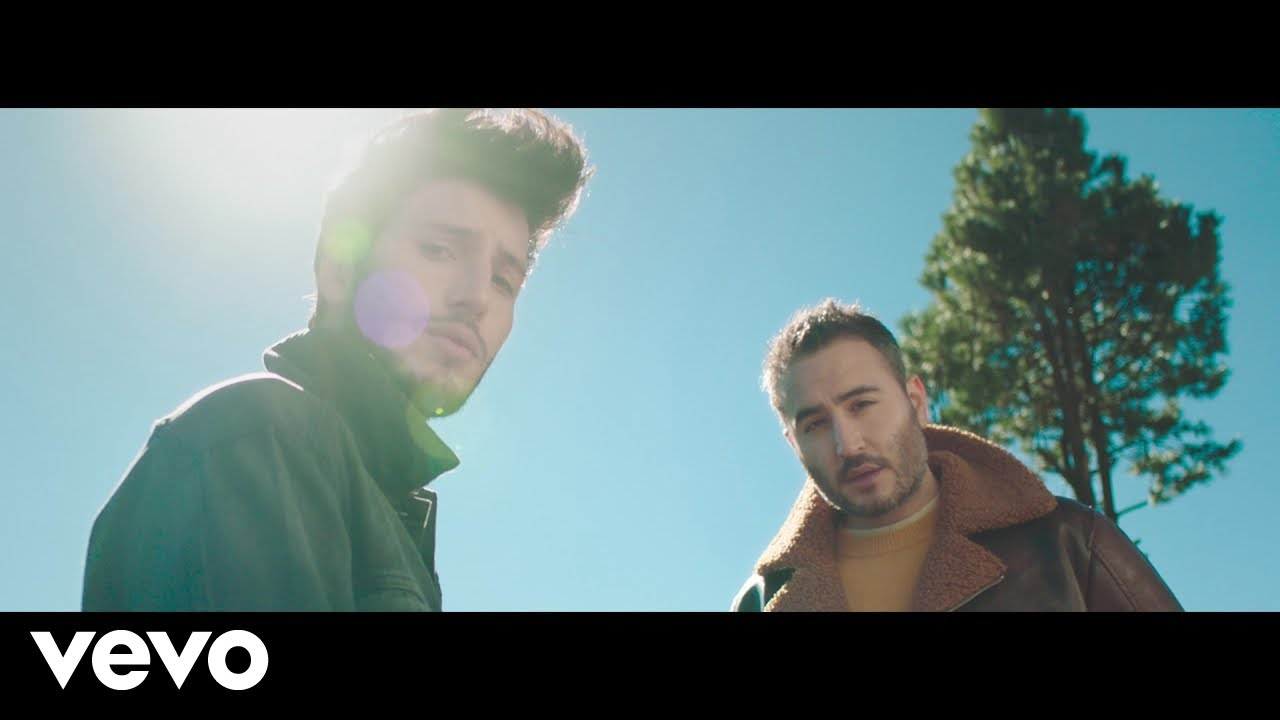 Watch: Sebastián Yatra & Reik premiere 'Un Año' video, challenge other artists to cover song