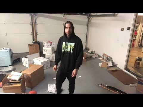 Eminem endorses Comedian Chris D'Elia's impression of him via Twitter