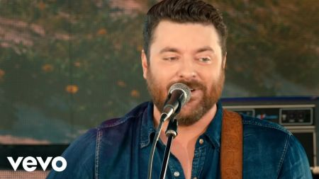 Chris Young announces Raised on Country Tour 2019 coming to MGM Grand Garden Arena
