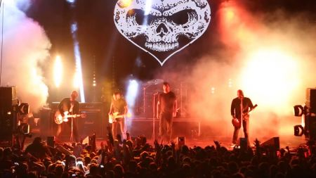Alexisonfire announces performance at Terminal 5