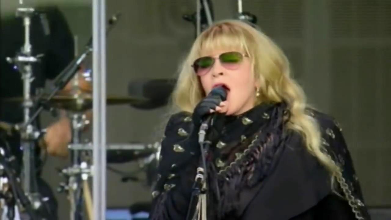 Stevie Nicks to release anthology set 'Stand Back' in celebration of Rock Hall induction
