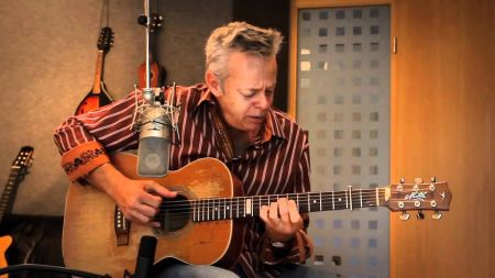 Tommy Emmanuel announces fall 2019 performance at Arvest Bank Theatre at The Midland