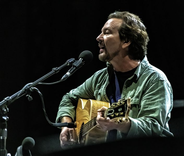Eddie Vedder Tour Dates 2020 Photos: 5 reasons to see Eddie Vedder live   AXS
