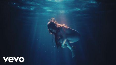 Monsieur Periné releases music video for 'La Sombra,' announces 2019 summer tour