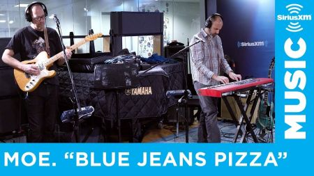 Watch: moe. plays 'Blues Jeans Pizza' at SiriusXM's New York studios