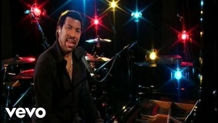 Lionel Richie announces US summer tour and new compilation 'Live from Las Vegas'