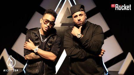 Nicky Jam & Ozuna celebrate 20 million views of 'Te Robaré' music video
