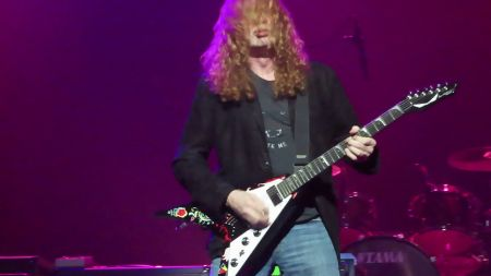 Watch: Megadeth's Dave Mustaine run through classic Jimi Hendrix hits
