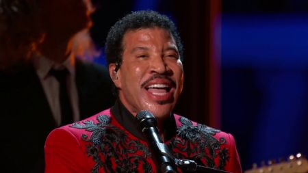 Lionel Richie bringing 2019 US summer tour to Red Rocks