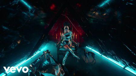 Nicki Minaj honors Manchester Arena attack victims during tour stop